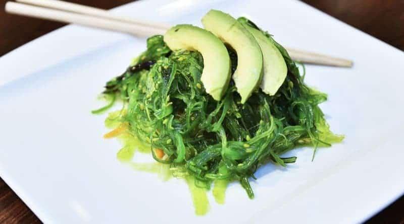 Tang salat med avocado